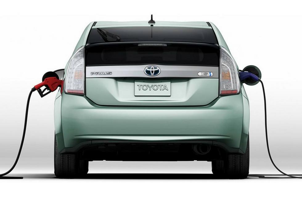 Toyota Encourages Zero Waste with hybrid Prius
